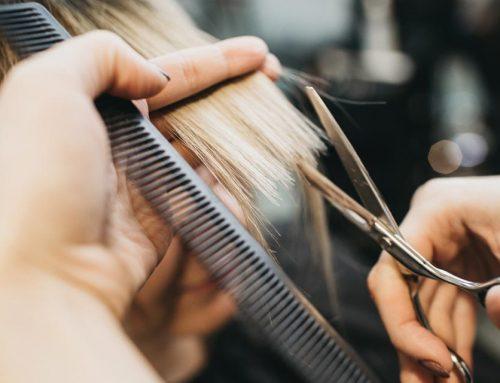 Mut zum Ansatz und Finger weg von der Schere – warte auf die Haar-Profis